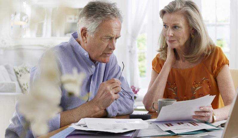 Auch nach den Änderungen der Rechengrößenverordnung 2017 ist die Berechnung der Beiträge zur gesetzlichen Krankenversicherung deutlich komplexer, als die zur Rentenversicherung. (#01)